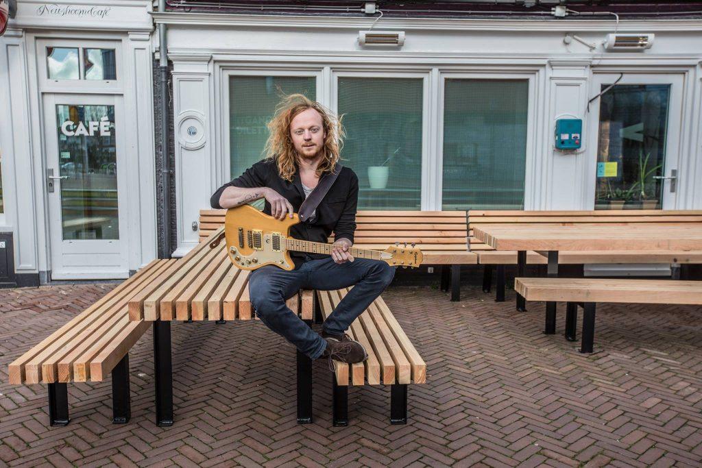 Tim Tells singer-songwriter